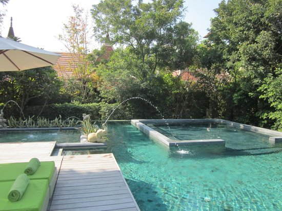 Siripanna Villa Resort & Spa: Poolside