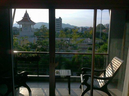Baan Suwantawe: Ausblick obere Etage am Abend