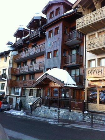 Au Coq de Bruyere Hotel : Front Entrance