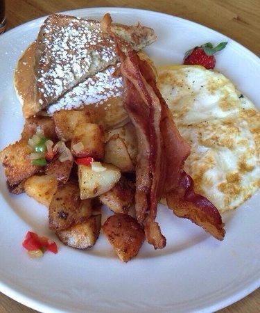 JJ's Caffe: City of champions breakfast entrée