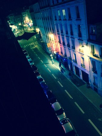 Ibis Styles Paris Pigalle Montmartre: View from balcony