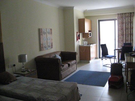 The Plaza & Plaza Regency Hotels: habitacion