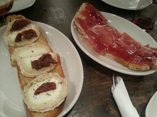 Meson del Caballo Blanco: tostadas