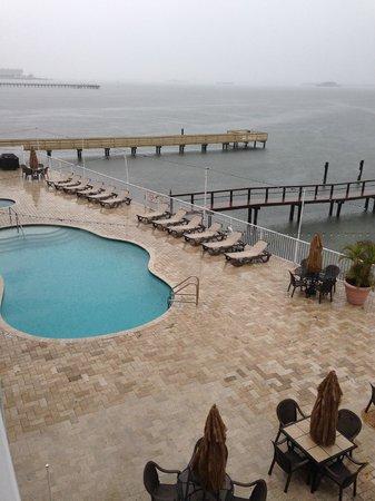 Beso Del Sol Resort: pool area