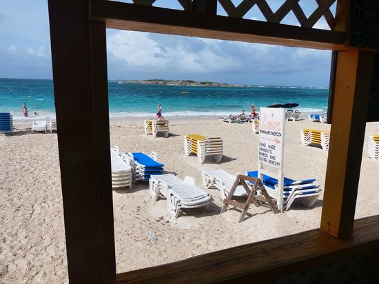 Chez Leandra : Looking south along Orient Beach across the water to the island of Caye Verte