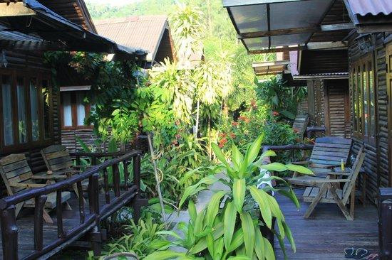 Banana Garden Home: Bungalows