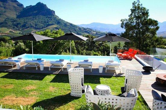 Clouds Wine & Guest Estate: Pool area