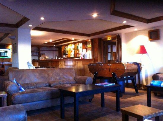 Au Coq de Bruyere Hotel: bar