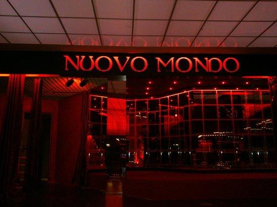 Nuovo Mondo: palco discoteca