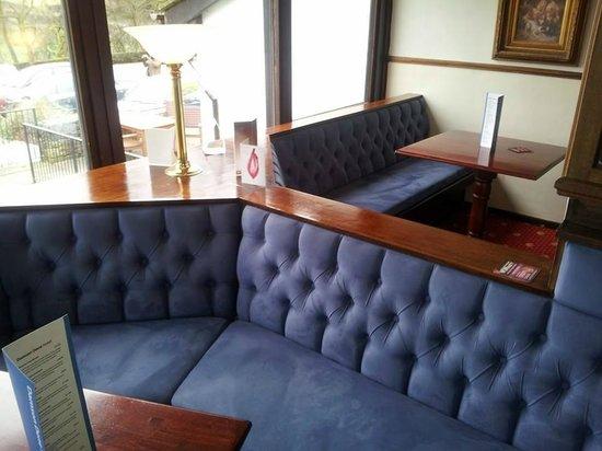 Damson Dene Hotel: bar area