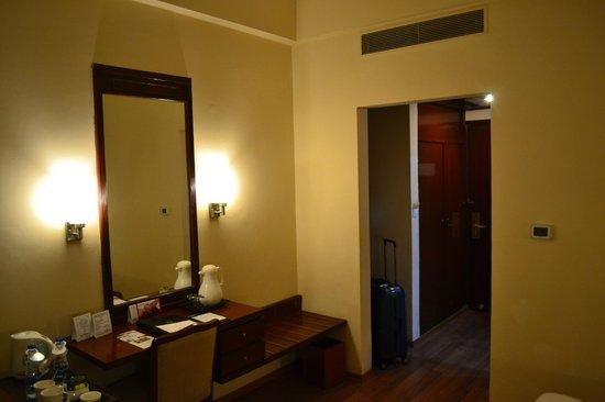 Hotel Clarks Shiraz: Номер