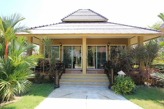 Lanta Castaway Beach Resort: Tropical Daze Room im Doppelbungalow