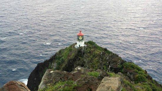 Makapuu Lighthouse Trail: Makapuu Lighthouse