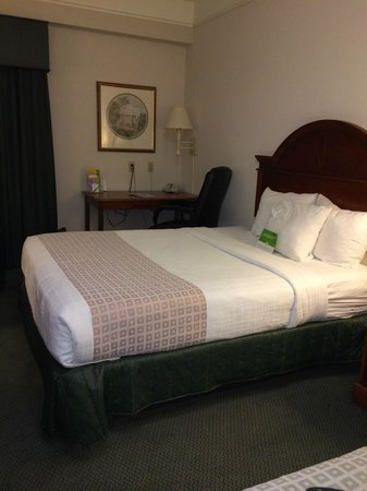 La Quinta Inn & Suites Fort Myers Airport : Our Room