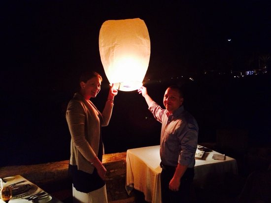 Cocina del Mar: Our lantern with our wishes for our life together :)