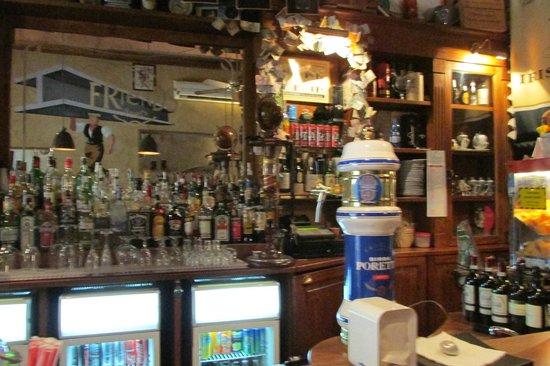 The Friends Pub: Bar