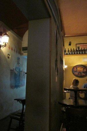 The Friends Pub: Neat Interior