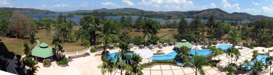 Gamboa Rainforest Resort: view of pool and chagres river from Monkey bar