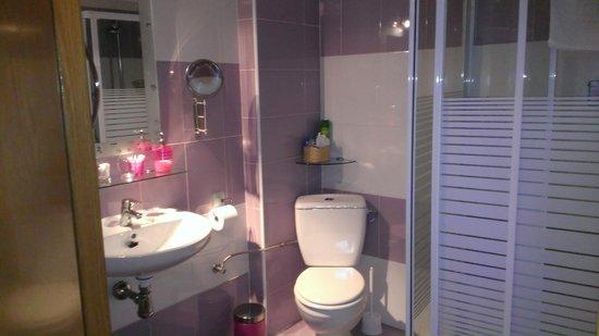 Pension San Nicolas: Private bathroom