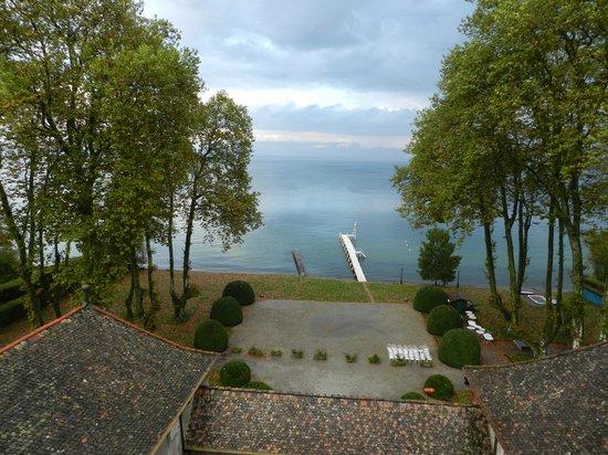 Chateau de Coudree: vu sur le lac leman