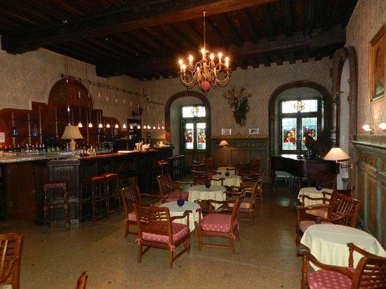 Chateau de Coudree: salle du resto