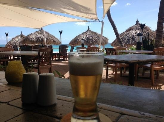 Matthew's Beachside Restaurant : Balashi beer to enjoy the food
