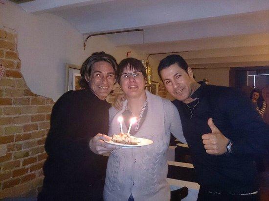 Restaurante Parrilla Alfonsina: no iba a quedarme sin tarta en mi cumple (24,01horas)