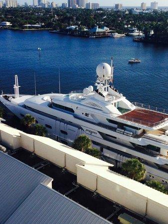 Hilton Fort Lauderdale Marina: Mega yacht in front of hotel marina