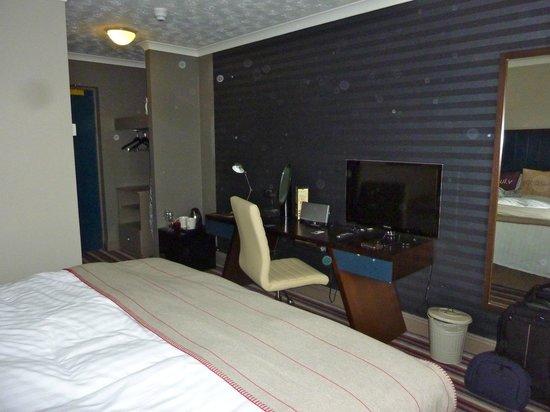 Village Hotel Blackpool : Bedroom