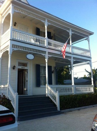 Azul Key West: Beautiful building