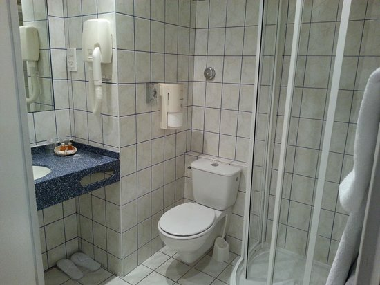 Hotel Pax Opera : Baño