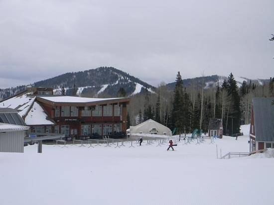 Canyons Village at Park City: Red Pine Lodge