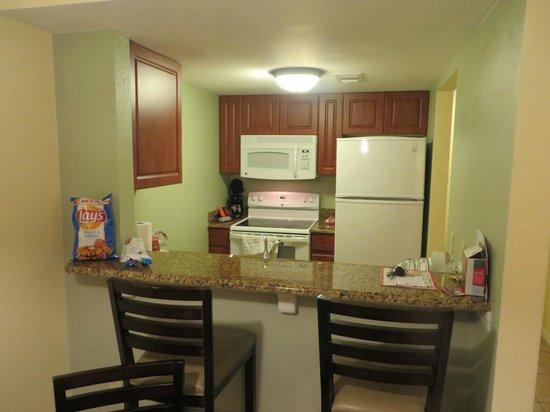 Best Western Premier Saratoga Resort Villas: Kitchen