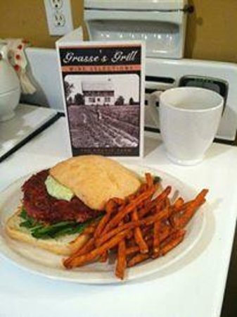 Grasse's Grill: Roasted Beet Burger with Herbed Aioli