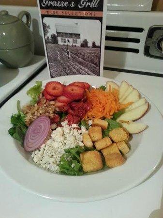 Grasse's Grill: Harvest Salad