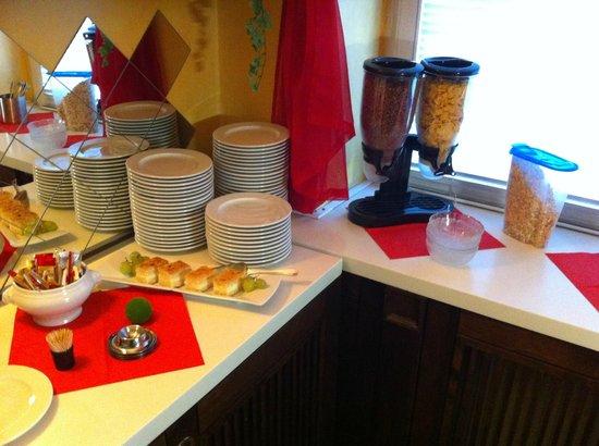 Hotel Larat: Desayuno
