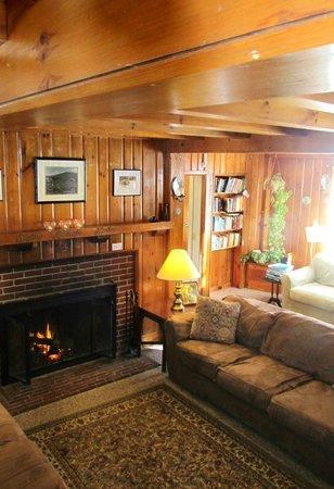 Seyon Lodge : Living Room/ Common area