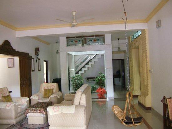 Periyar Villa Home Stay: Hall d'entrée