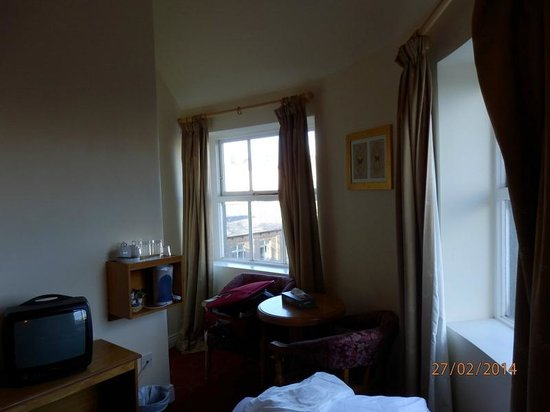 Hotel St. George : habitación 606,sin agua caliente ni ascensor