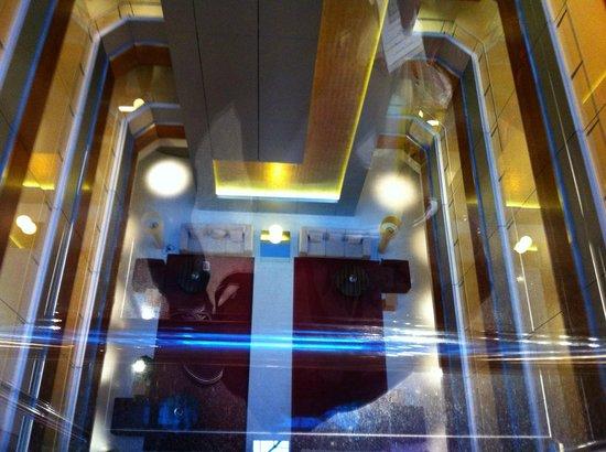 Hotel Nuevo Madrid: Desde el ascensor