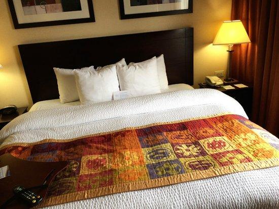 Fairfield Inn & Suites Somerset: King Bed