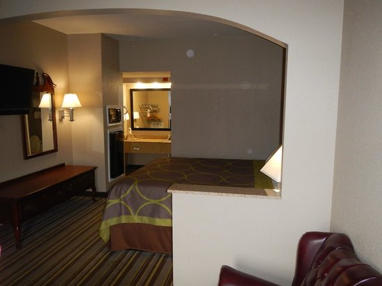 Super 8 Murfreesboro: View of fridge and dressing area
