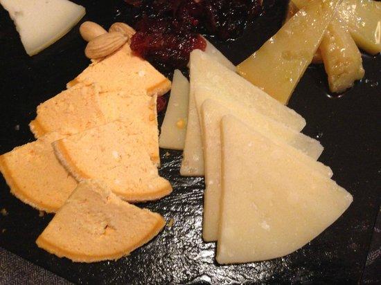 Dom Vinos: Surtido de quesos para finalizar