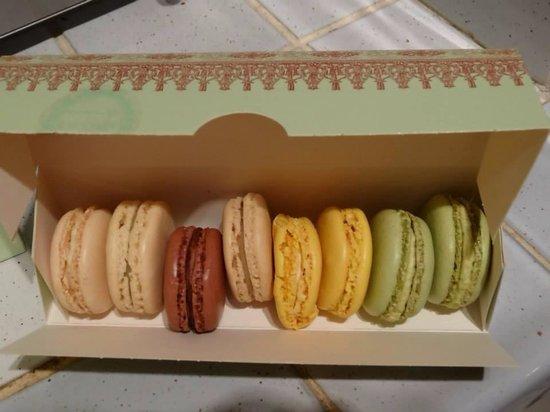 Ladurée Bonaparte : Macarons!!