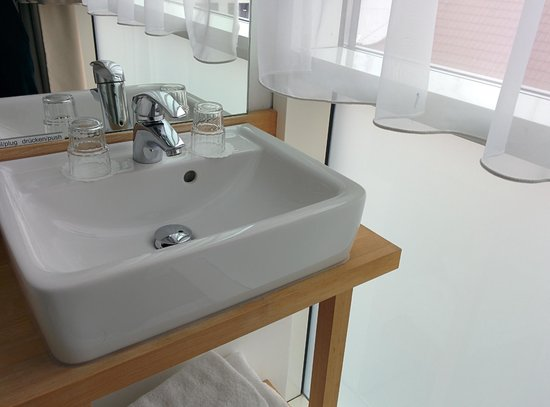 Best Western Hotel Berlin-Mitte: Bathroom Sink