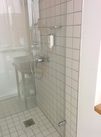 Best Western Hotel Berlin-Mitte: Shower