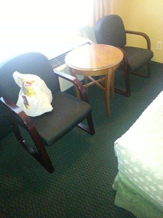 Rameda Foothills Resort: Table Room 219