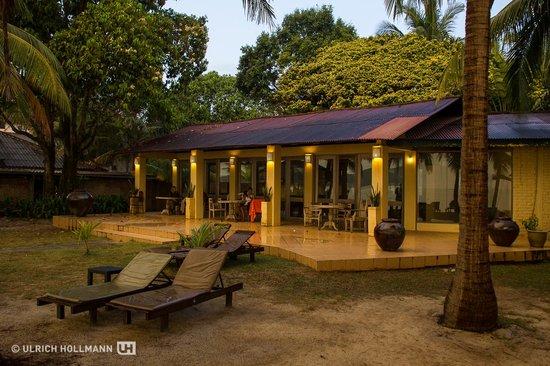 Sunset Beach Resort : Breakfast pavilion
