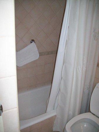 Hotel Provincial: bañera