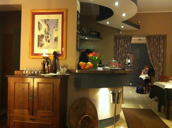 Il Cavaliere: bar with nice decor